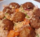 Chilli Noodle Bowl Meatballs Red Peppers Red Onions Peas